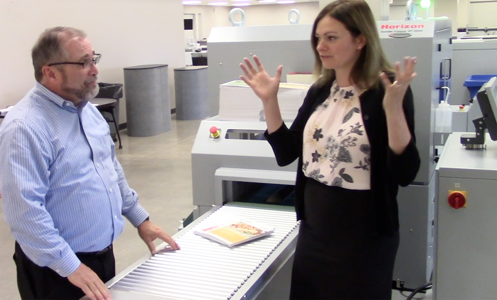 Video preview: Smart Binding System Manufactures Fully-Automated Roll-to-Perfect Bound Variable Books with Ease